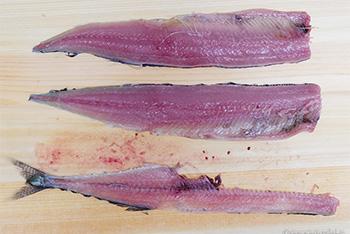 秋刀魚(さんま)を3枚におろしました。