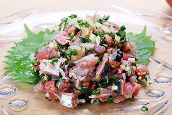 秋刀魚(さんま)のたたきもオススメです。
